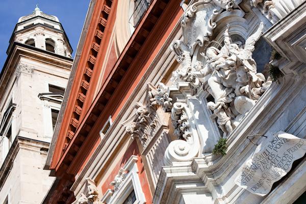 PHOTOLOGIX_Genova_rondlopen